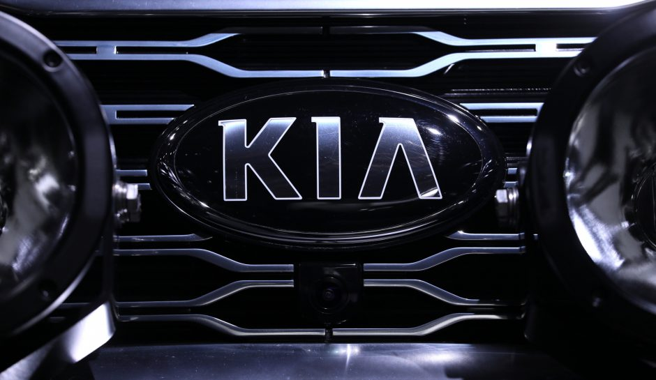"""""""Kia"""" dėl gaisro pavojaus atšaukia 68 tūkst. automobilių JAV"""