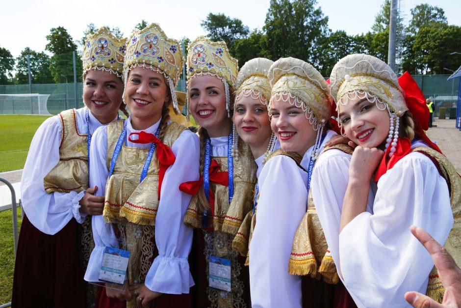 Parlamentarė perspėja ruses dėl intymių nuotykių su futbolo čempionato svečiais