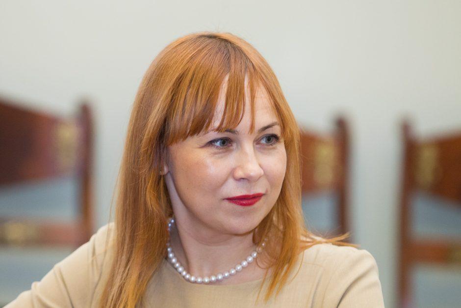 """""""Valstiečiai"""" palaiko švietimo ministrę: kas dirba, tas klysta"""