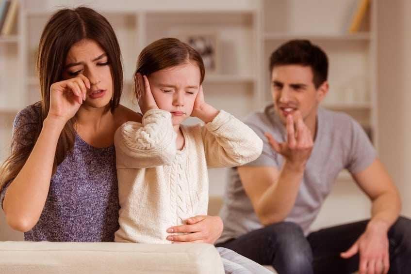 Santykių krizė: ar verta išsaugoti šeimą dėl vaikų?