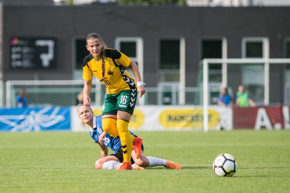 Lietuvos futbolininkės Baltijos taurės starte sužaidė lygiosiomis su Estija