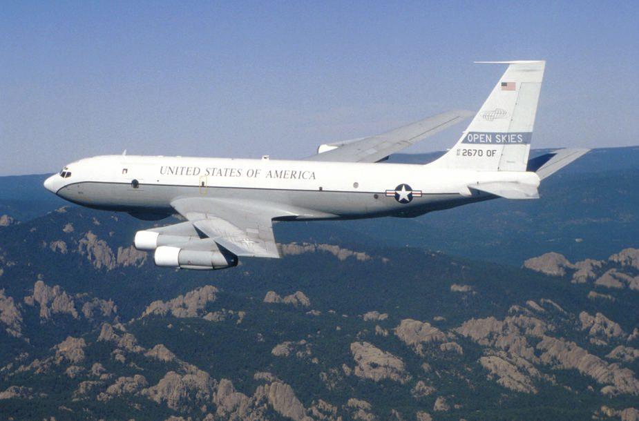 Pentagonas: virš Ukrainos praskrido JAV lėktuvas su stebėtojais