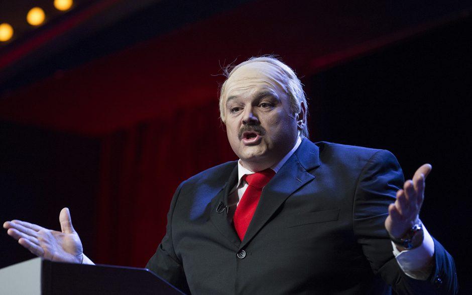 """""""Pakartok!"""" scenoje – nepriekaištinga A. Jagelavičiūtės parodija"""