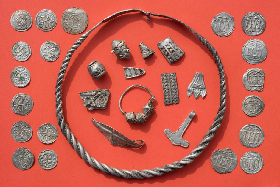 Trylikametis rado legendinio danų karaliaus Haraldo Mėlyndančio laikų lobį