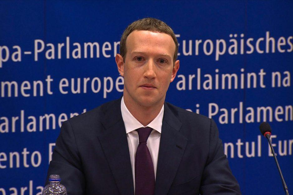 """""""Facebook"""" vadovas atsiprašė europarlamentarų"""