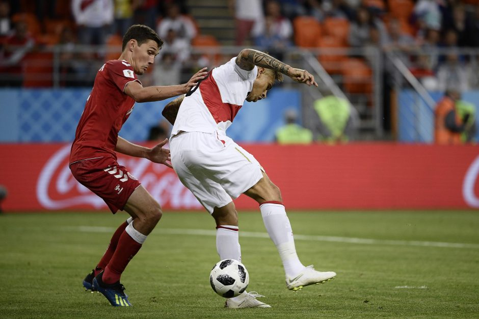Danijos futbolininkai pasaulio čempionate įveikė Peru komandą