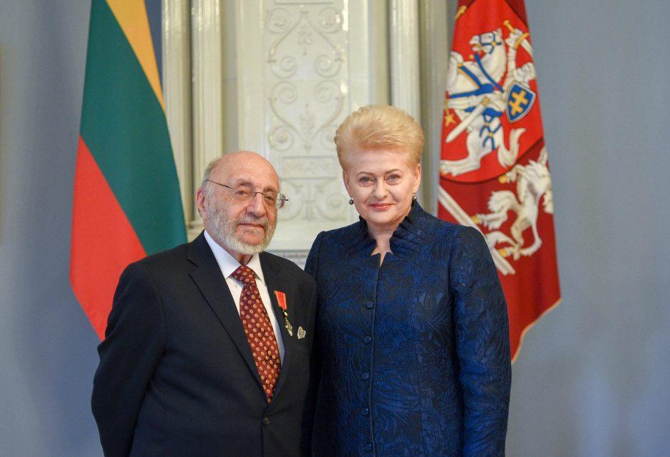 Holokausto atminties saugotojui dailininkui S. Bakui – apdovanojimas