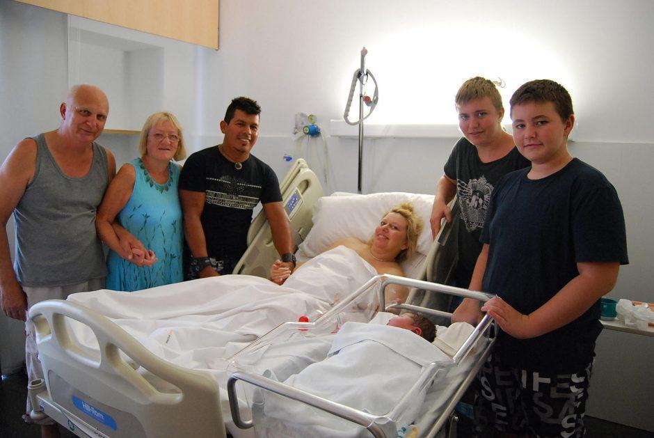 40-metė britė susilaukė didžiausio Ispanijoje natūraliai gimusio kūdikio