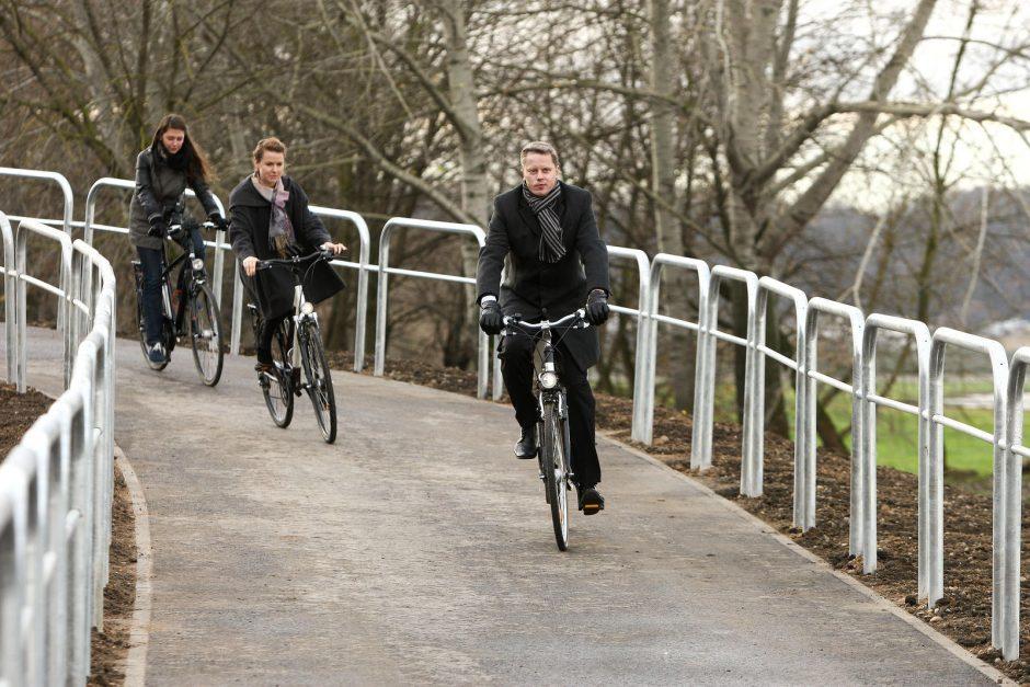 Atidarytas dviračių takas po P. Vileišio tiltu