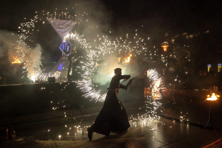 Sostinėje uždegta Chanukija – prasidėjo žydų šventė Chanuka