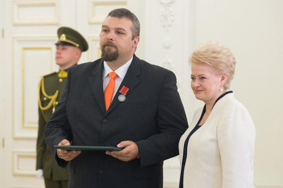 Valstybės dieną – apdovanojimai iš prezidentės rankų