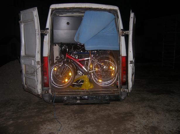 Klaipėdietis į Lietuvą atgabeno vogtą motociklą, dviračius, šaldytuvus