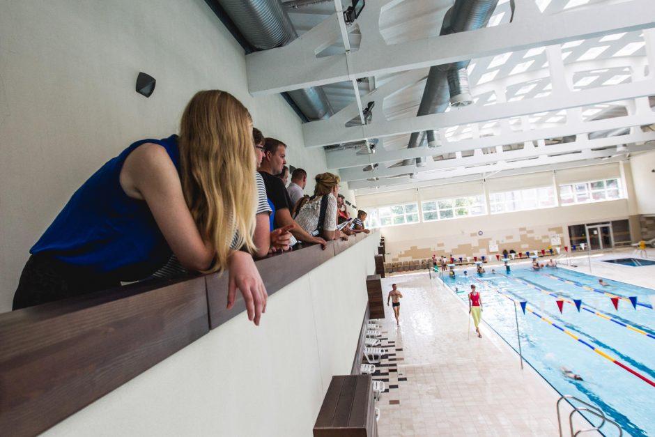 """""""Girstučio"""" baseiną apgulė plaukimo pamokų ištroškę vaikai"""