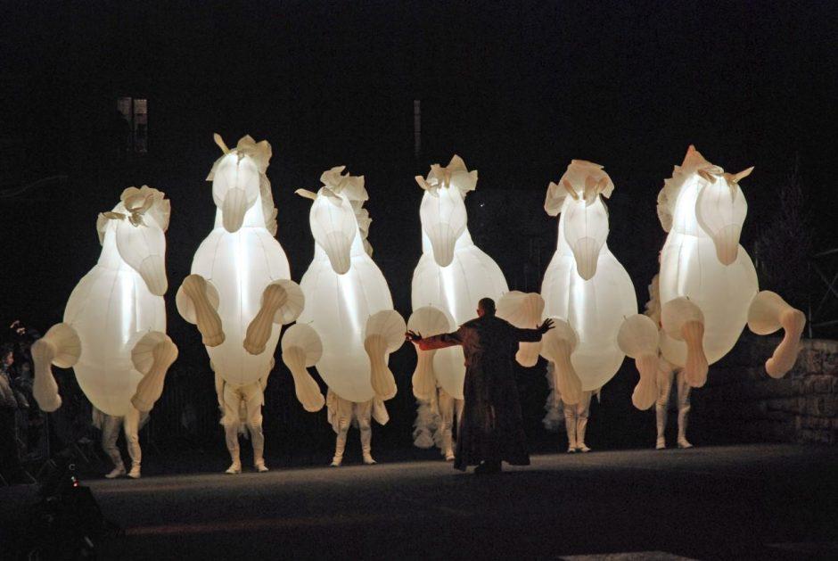 Rotušės aikštėje šventes įsuks įspūdingi žirgai