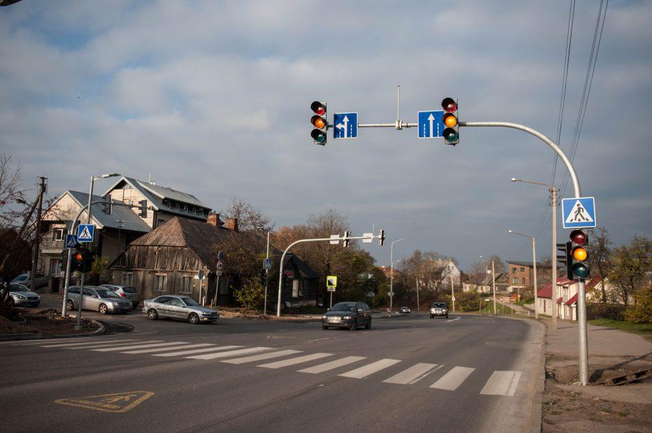 Nauji šviesoforai: padeda ar trukdo?