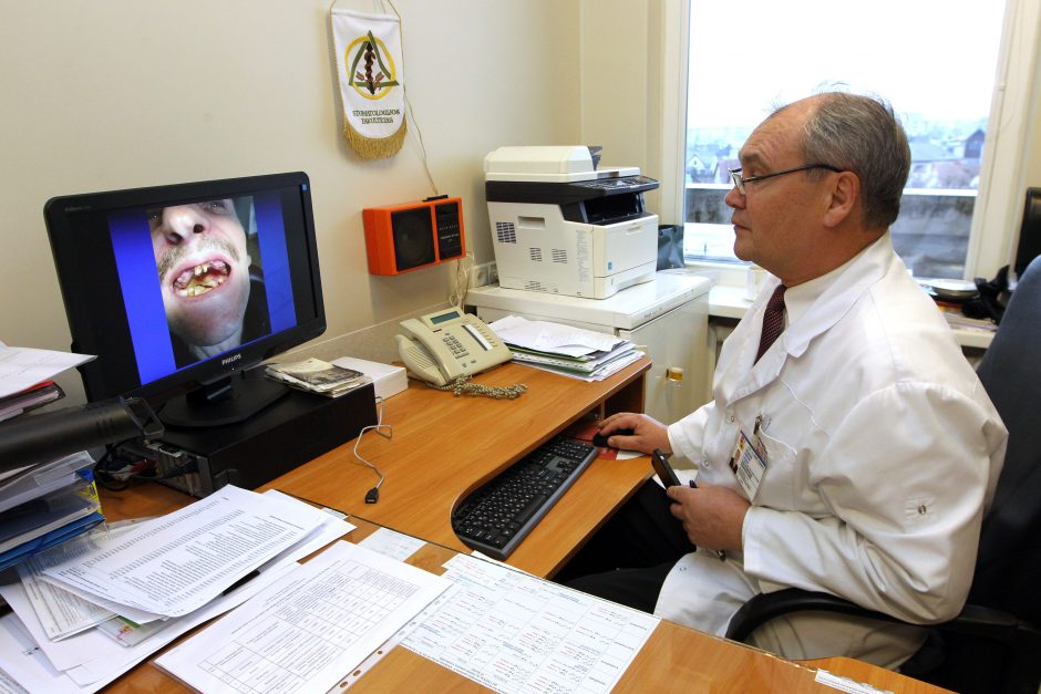 Dėl negydyto danties tenka išpjauti visą žandikaulį