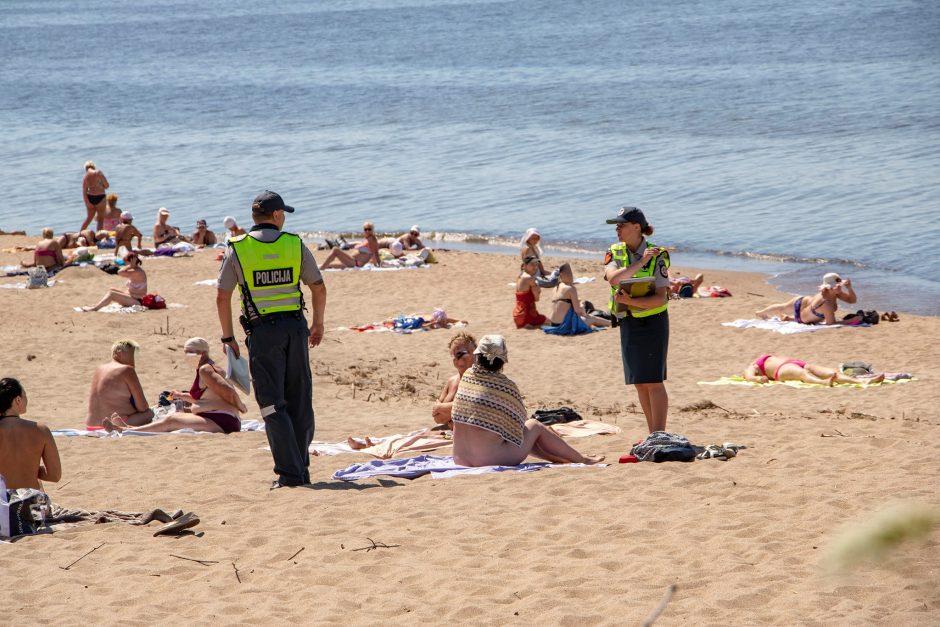 Pliaže – susirėmimas su nuogalėmis