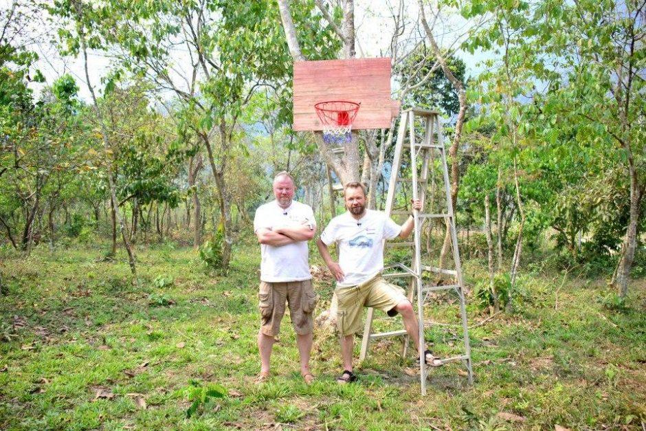 M. Starkus ir V. Radzevičius Vietname augino ryžius