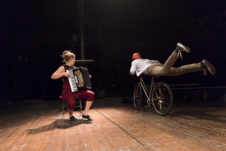 Šiuolaikinio cirko judėjimas po Kauno dangumi