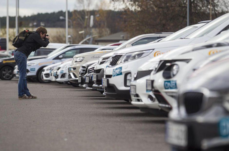 Į ekonomiškiausio titulą pretenduoja ir dyzeliniai, ir hibridiniai automobiliai