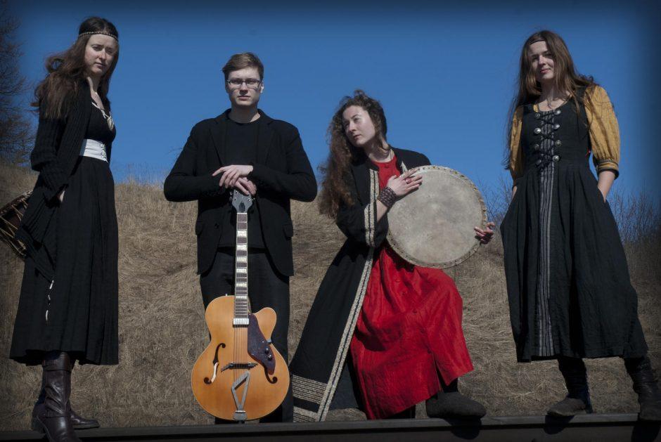 Klaipėdos etnokultūros centre – postfolkloro grupės koncertas ir tradiciniai šokiai