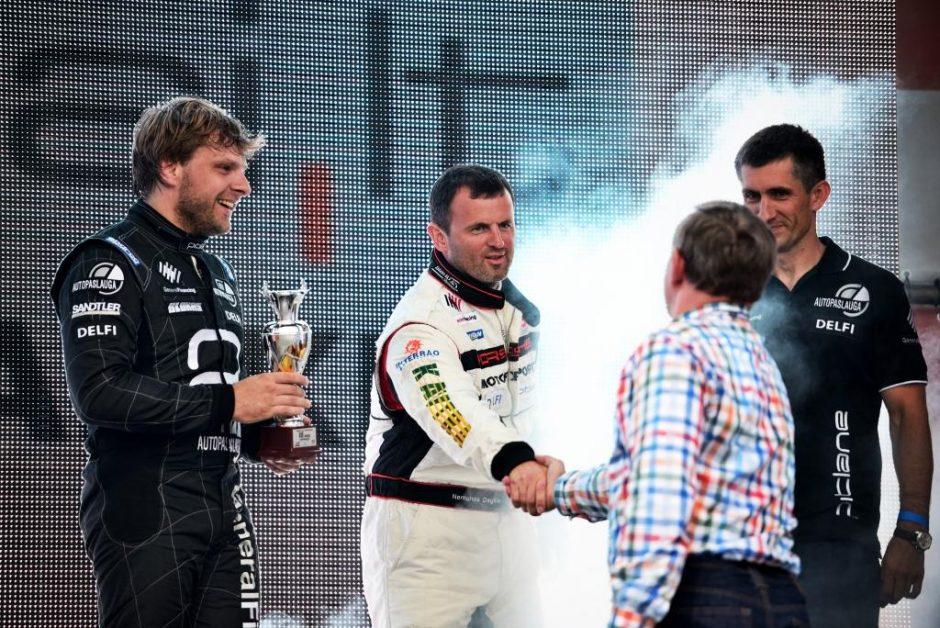 1000 km lenktynėse triumfavo lietuviai: B. Vanagas ir broliai Dagiliai