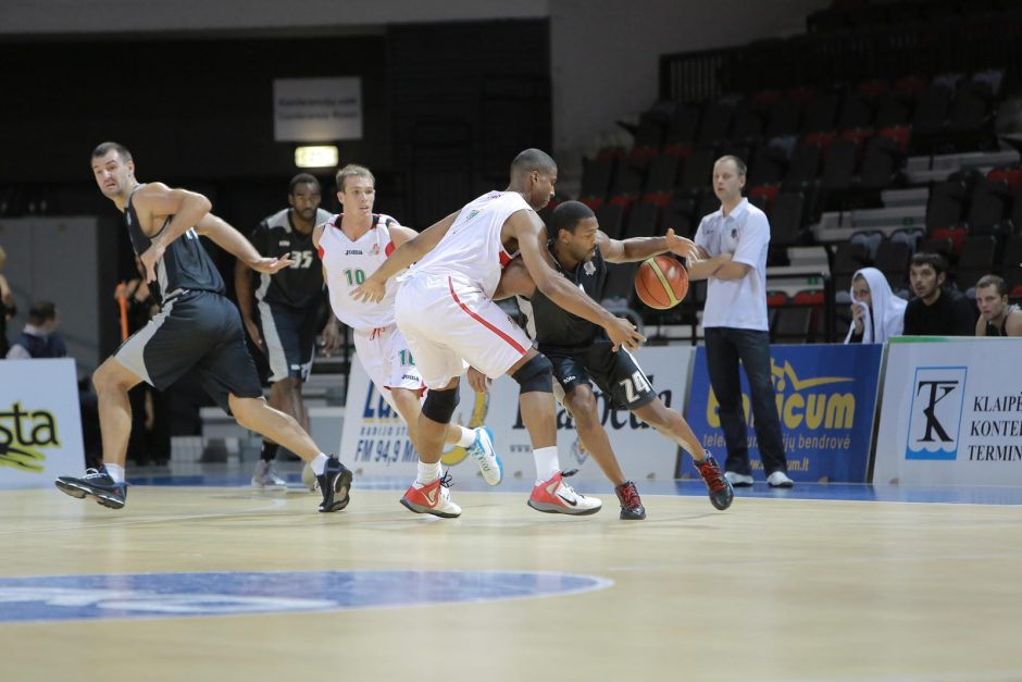 Klaipėdoje prasidėjo krepšinio turnyras V.Garasto taurei laimėti (tvarkaraštis)