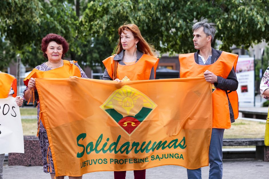 """""""Solidarumas"""" protestavo prieš mokesčių reformą"""