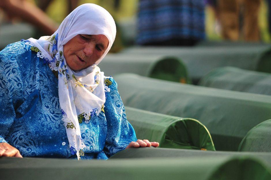 Bosnijoje perlaidojami 409 Srebrenicos žudynių aukų palaikai (papildyta)
