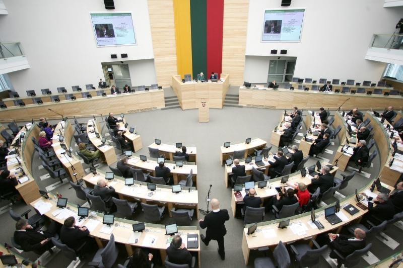 Seimas svarstys draudimą įmonėms aukoti partijoms