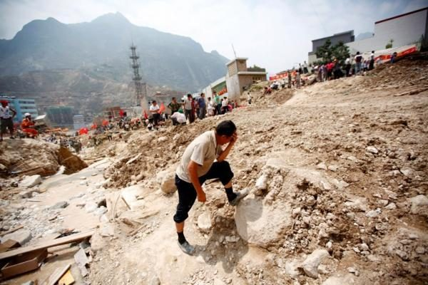 Afganistane per žemės drebėjimą žuvusių gali būti daugiau kaip 70