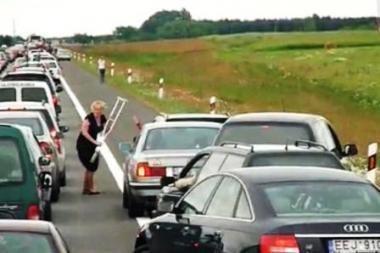 Greitkelyje ramentu mosavusios moters tapatybė nustatyta