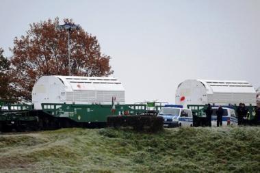 Vokietijoje kelią radioaktyviam kroviniui į saugyklą pastojo avių ir ožkų banda