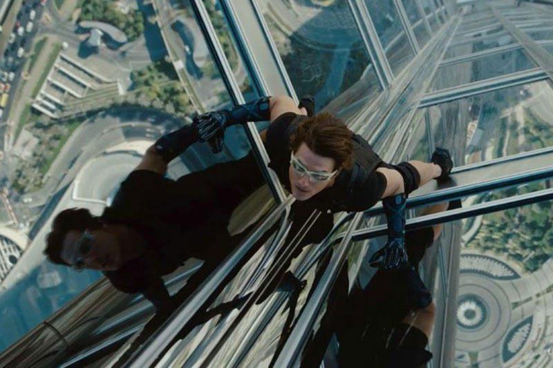 Tomas Cruise'as skyrybų skausmą malšina darbu