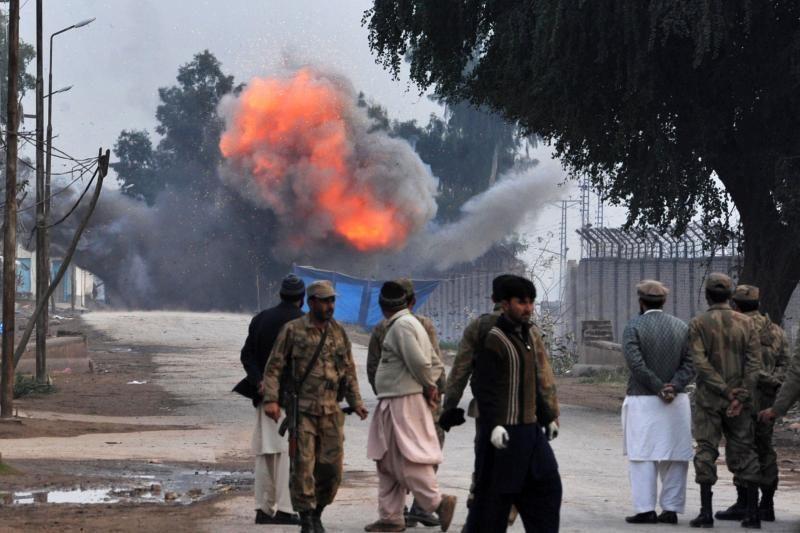 Pakistane per susišaudymą žuvo trys kovotojai ir policininkas