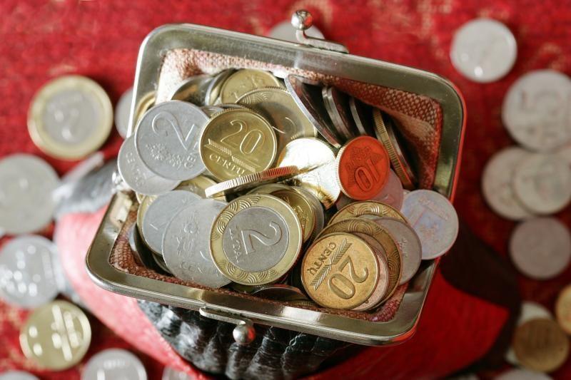 Pinigų stygių nuolat jaučia 40 proc. didmiesčių gyventojų