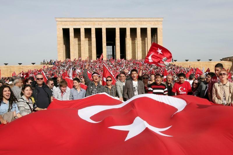 Apklausa: dauguma vokiečių nepritaria Turkijos įstojimui į ES