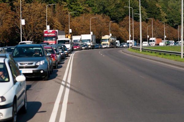 JK: dėl transporto taršos mirštama dažniau nei avarijose