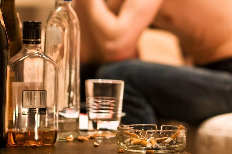 Šalčininkuose ir Radviliškyje trys nepilnamečiai apsinuodijo alkoholiu