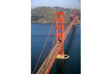 Garsųjį tiltą gelbės nuo savižudžių