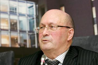 Areštuotas su Seimo nariu besibylinėjančio Liustracijos komisijos vadovo turtas