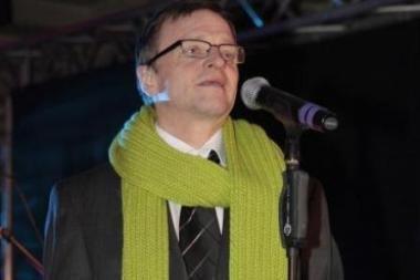 Kultūros ministrui R.Vilkaičiui atsistatydinti siūlo jo paties partija
