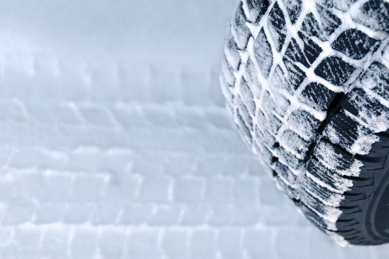 Iškritus sniegui nedidelė avarija kainuoja daugiau negu padangos