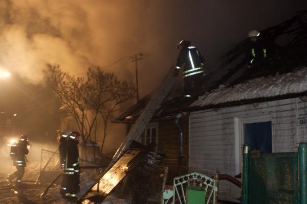 Vilniaus rajone gaisre žuvo brolis ir sesuo, Vilniuje - 20 metė