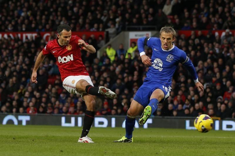 """""""Manchester United"""" artimiausią persekiotioją lenkia jau 12 taškų"""