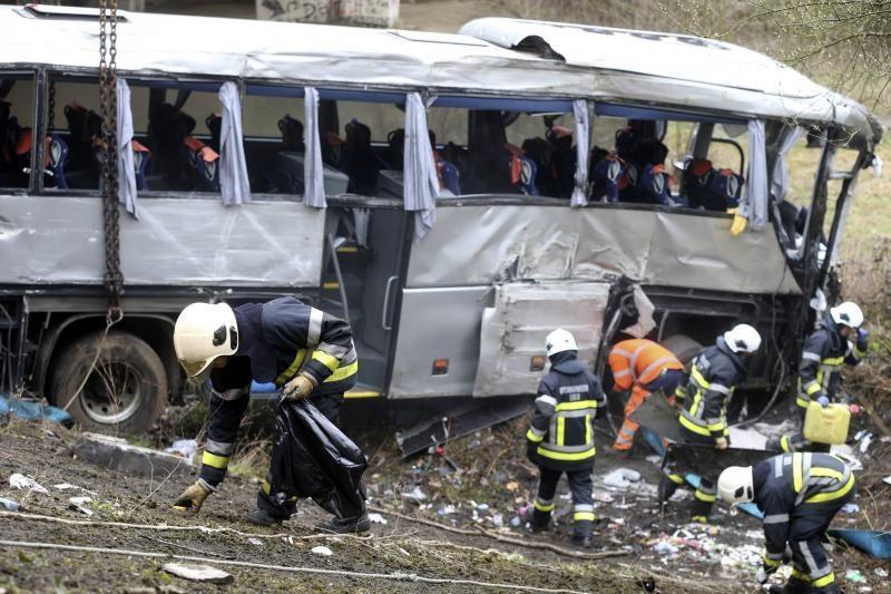 Belgijoje per autobuso avariją žuvo penki žmonės (papildyta) (foto)