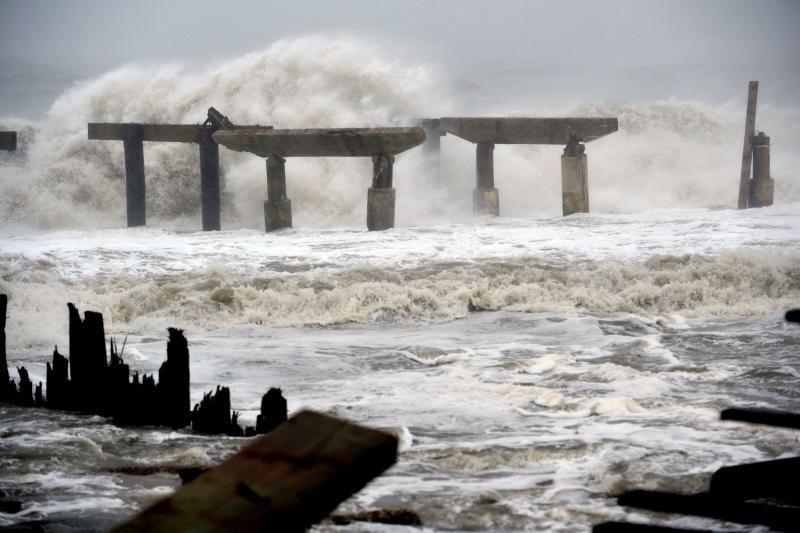 Uraganas Sandy smogė Atlantik Sičiui, eilėje - Niujorkas
