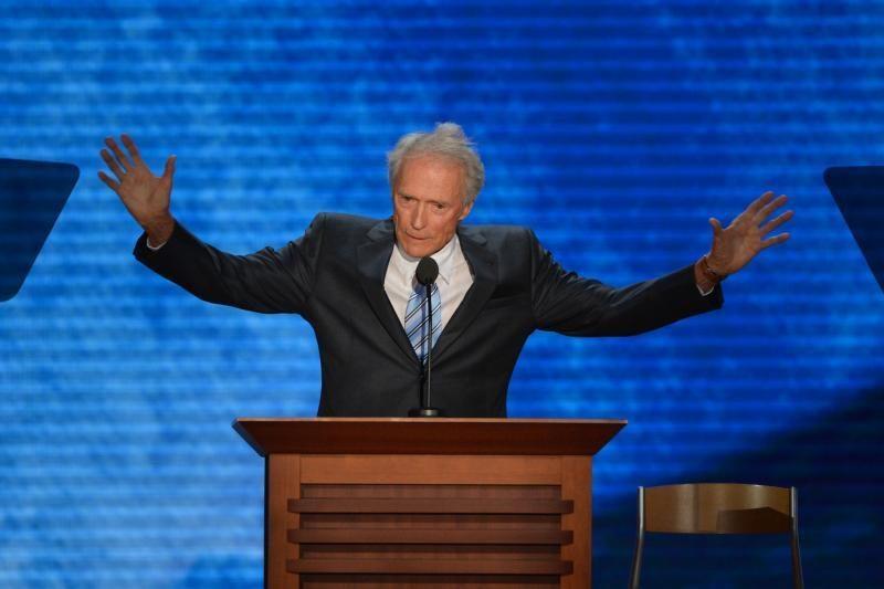 """C.Eastwoodas prašo respublikonų suvažiavimo jį """"nudžiuginti"""""""