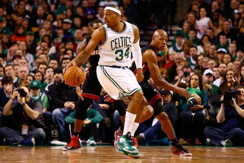 """""""Celtics"""" be R. Rondo po dviejų pratęsimų įveikė """"Heat"""" (rezultatai)"""