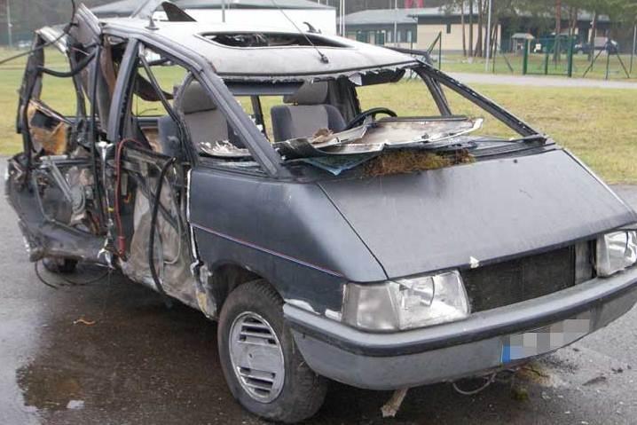 Nuo pasieniečių sprukusio kontrabandininko automobilis apsivertė
